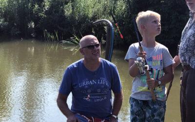Bruno w Lorbasówce, pierwszy raz na rybach. Łąg 31.05.2018